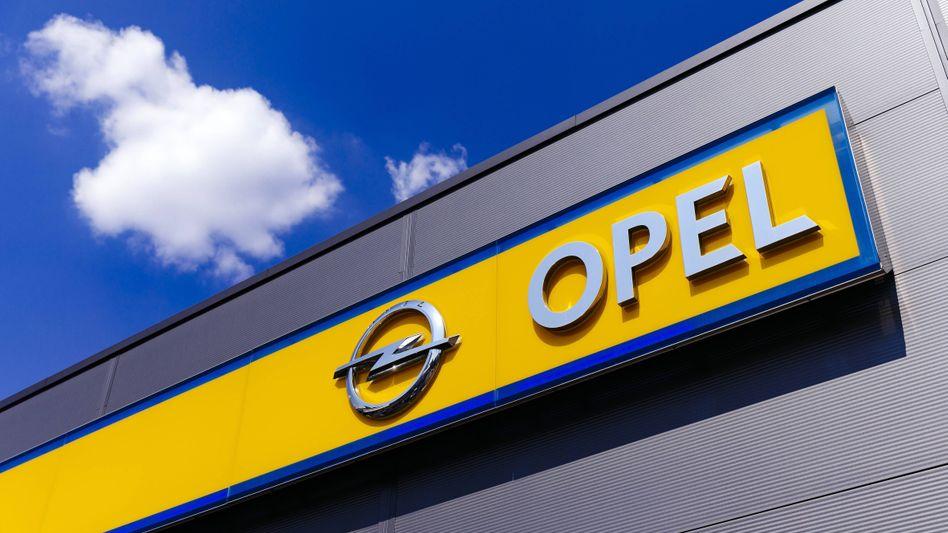 Ein Opel-Händler in Nordrhein-Westfalen: In Europa ab 2028 nur noch elektrisch