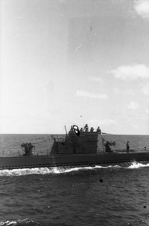 »U-154« auf hoher See: Die U-Boote werden zu »eisernen Särgen«