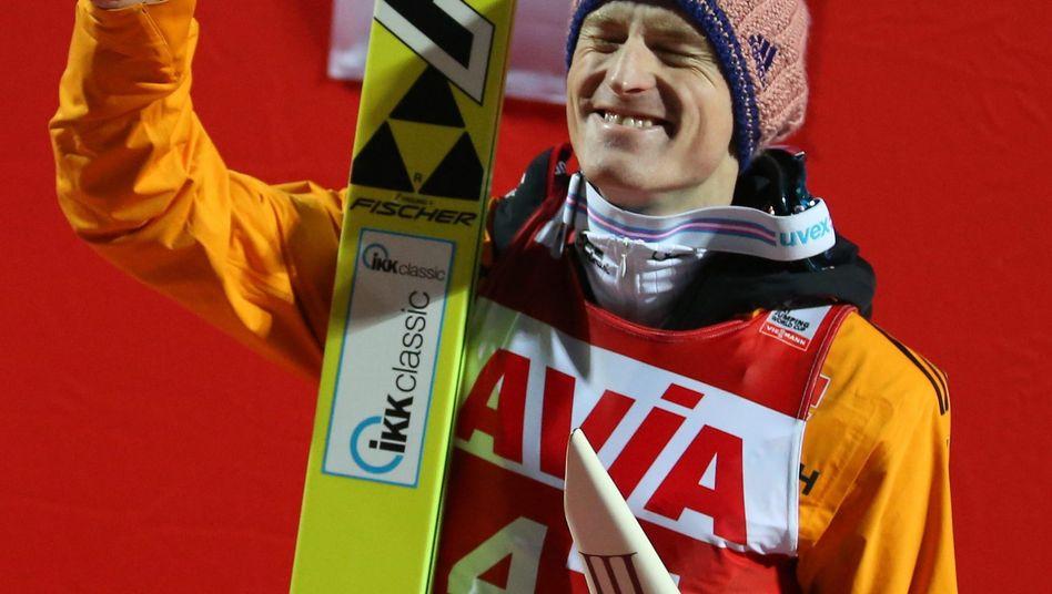 Skispringer Freund: Freude über Platz drei in Nischni Tagil