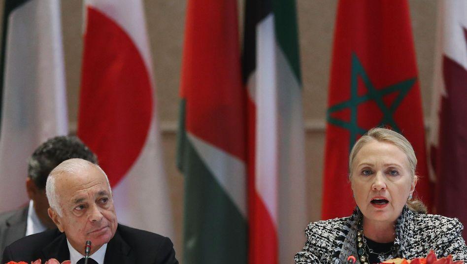 Clinton und der Generalsekretär der Arabischen Liga, Elaraby: Humanitäre Hilfen zugesagt