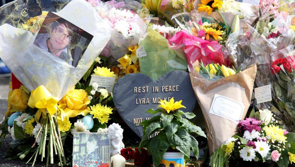 """Die """"Neue IRA"""" bekannte sich zu den Schüssen auf die Journalistin Lyra McKee"""