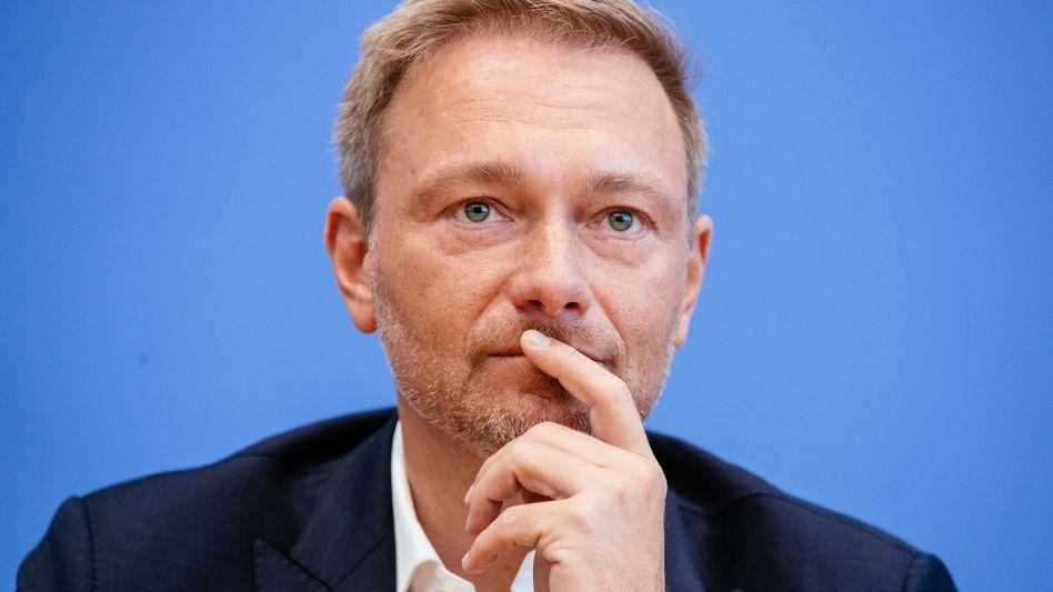 """FDP-Chef Christian Lindner: """"Wer weniger als 35 Jahre gearbeitet hat, fällt durch den Rost."""""""