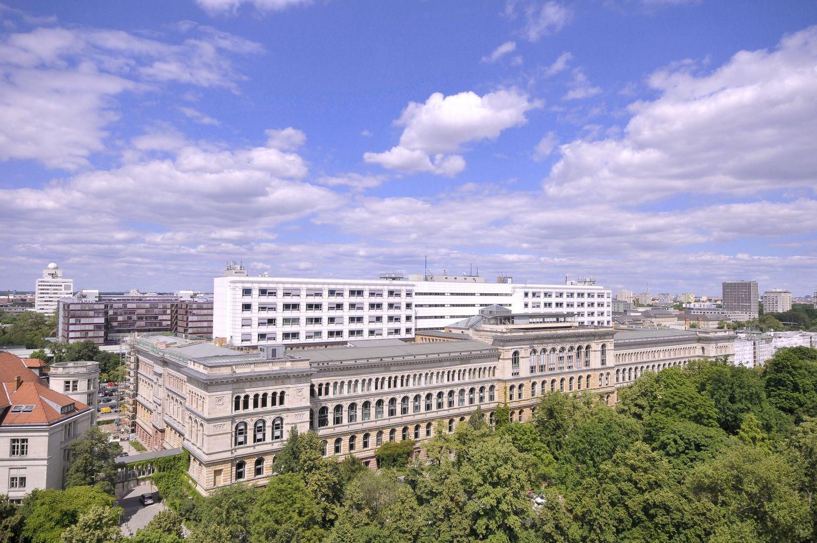 EINMALIGE VERWENDUNG TU Berlin / Hauptgebäude