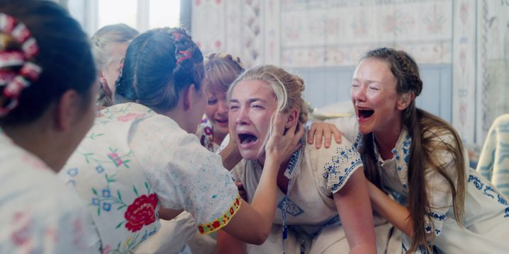 """Horror im Blümchenkleid: Florence Pugh in """"Midsommar"""""""
