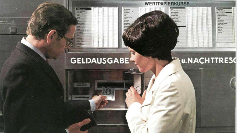 Deutschlands erster Geldautomat: Her mit der Kohle!
