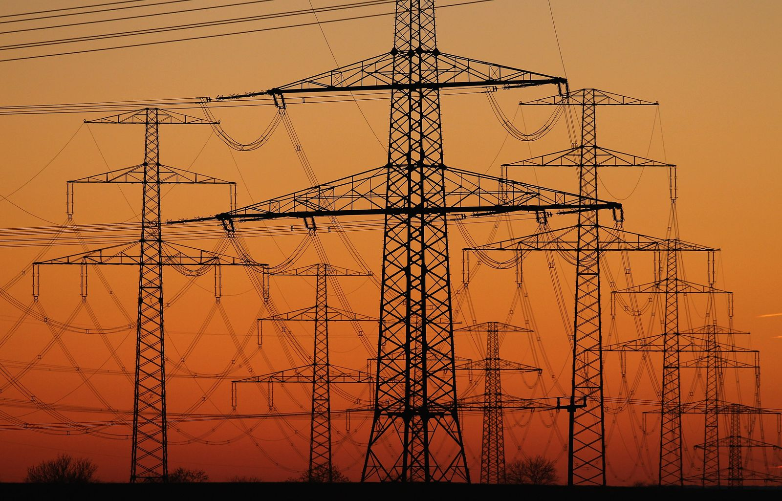 Strommasten/ Stromnetz