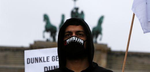 Muslim Interaktiv: Wie eine Gruppe von Hizb ut-Tahrir Jugendliche umwirbt