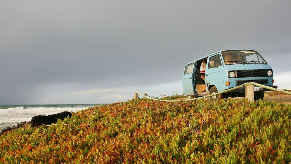 Camper in Spanien: Wellenrauschen und Atlantikwinde