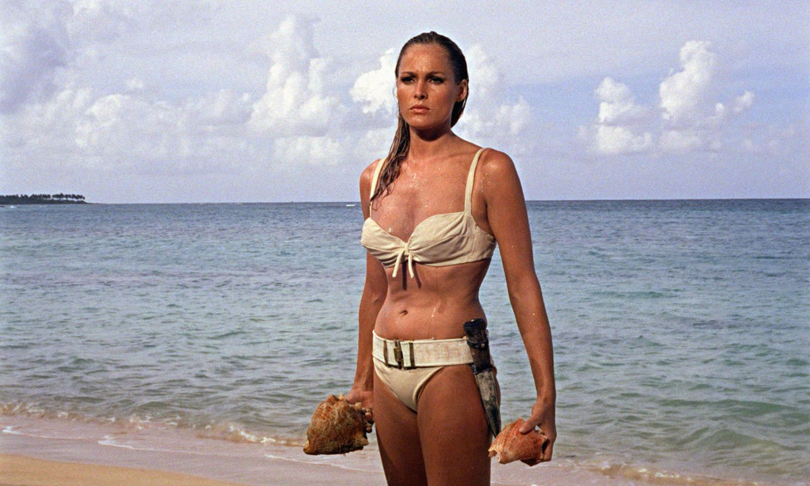 JAMES BOND CONTRE LE DR NO DR NO 1962 de Terence Young Ursula Andress. d apres le roman de Ian Fleming, James Bond 007