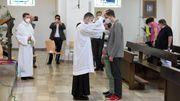 Katholische Geistliche segnen homosexuelle Paare – und lösen Debatte aus