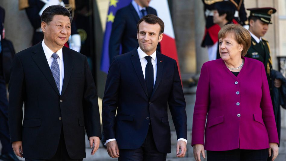 Presidents Xi and Macron together with Chancellor Merkel in Paris in 2019