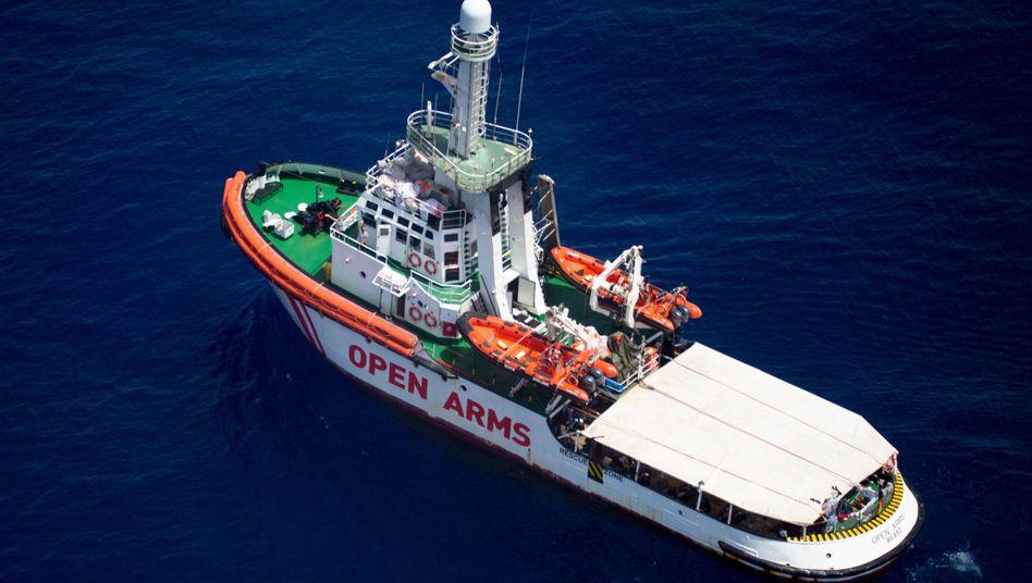 """Das Rettungsschiff """"Open Arms"""" harrte tagelang im Mittelmeer aus"""