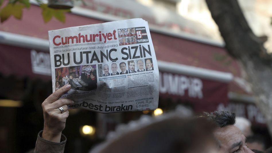 Ausgabe der Zeitung Cumhuriyet