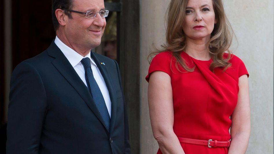 """Hollande, Trierweiler: """"Sie braucht Erholung"""""""