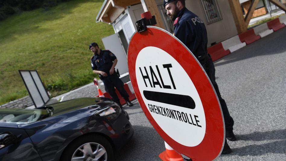 Österreichische Polizeikontrolle am Brenner