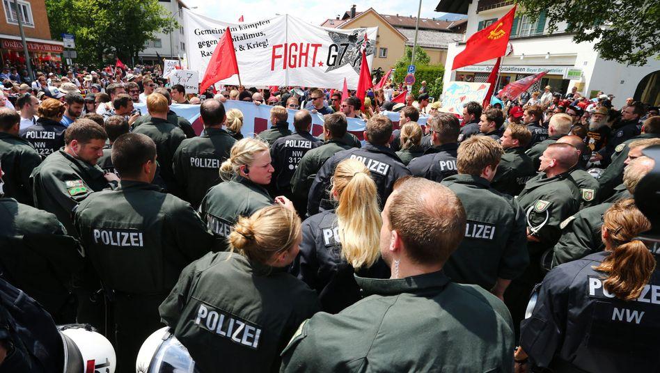 Polizisten im G7-Einsatz: Funkverkehr mit Folgen
