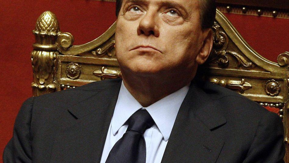 """Italienischer Regierungschef Berlusconi: """"Geld an Wildfremde gezahlt"""""""