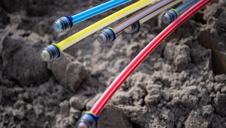 Für viele Deutsche nur ein Traum: Glasfaserkabel auf einer Baustelle