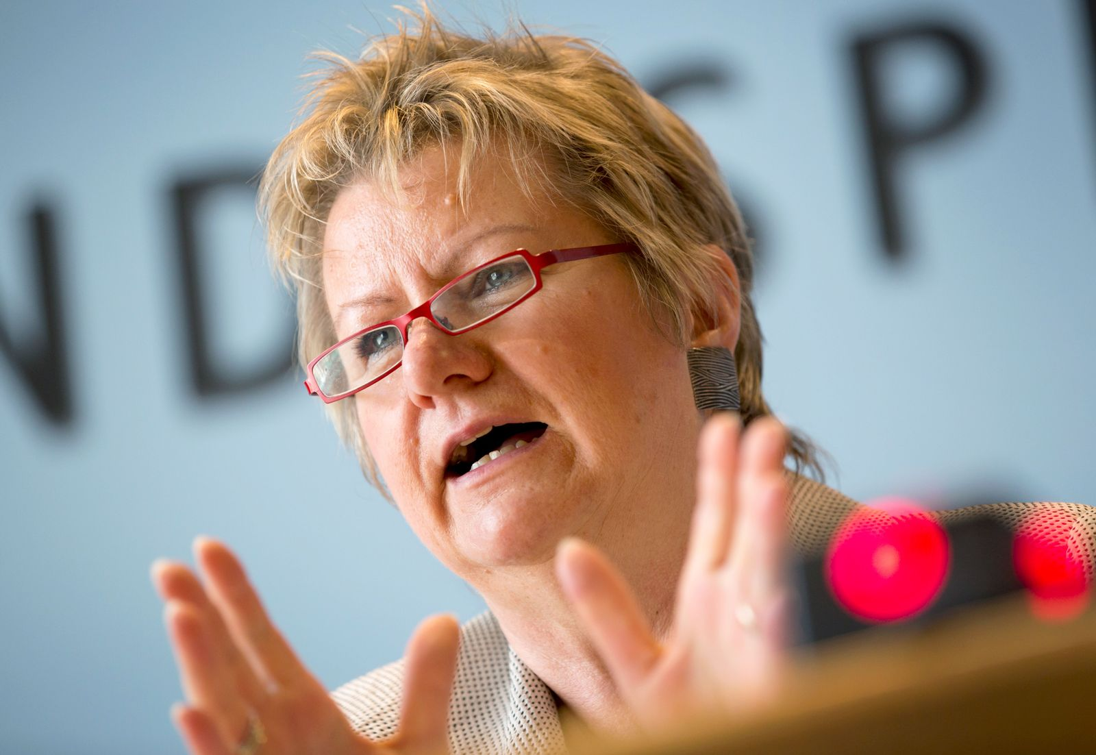 10 Bildungsfragen / Schulministerin Löhrmann