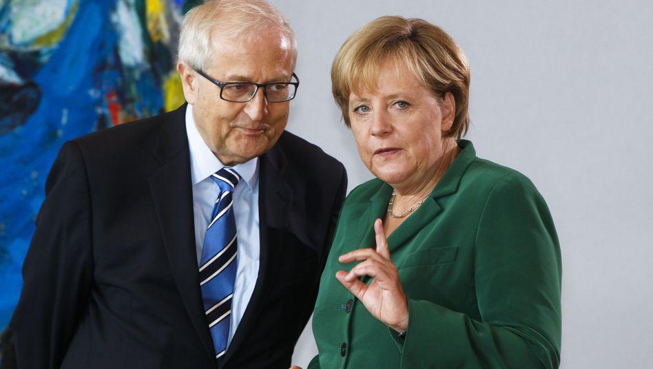 Wirtschaftsminister Brüderle und Merkel: Hilfe für die Kanzlerin