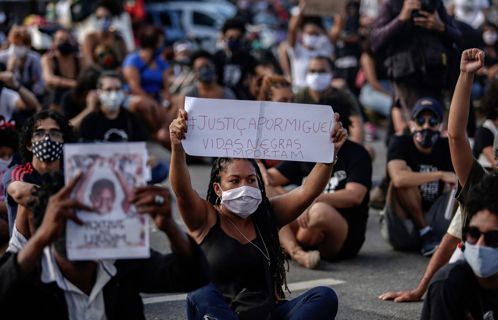 BRAZIL-ACCIDENT-FALL-BOY-PROTEST-RACISM
