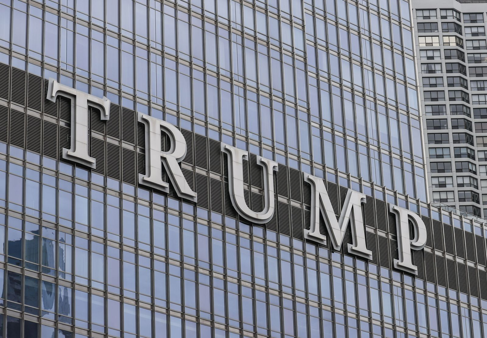 Chicago Alderman wants TRUMP sign removed in Chicago, USA - 13 Jan 2021