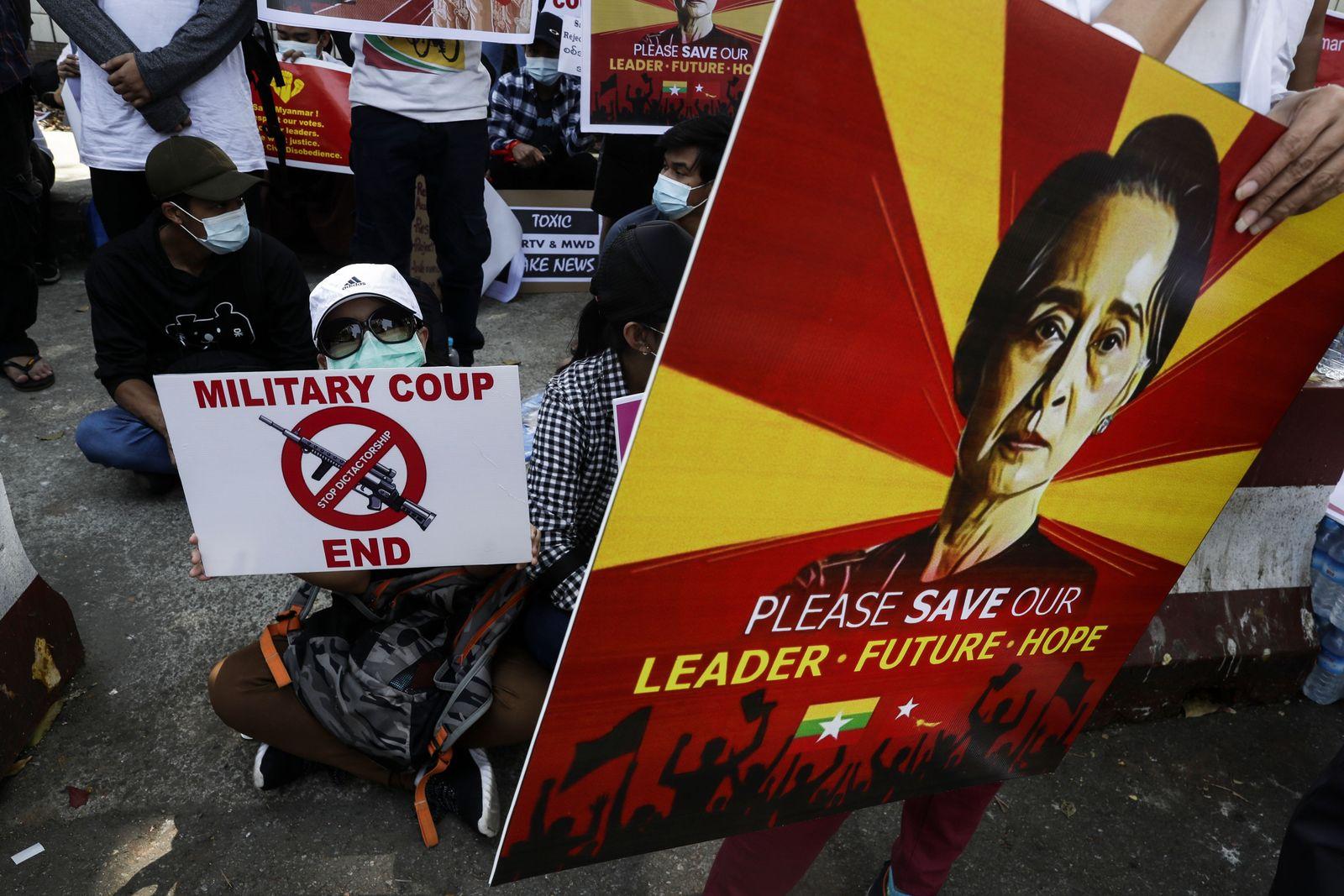 Protest against Myanmar coup in Yangon - 10 Feb 2021
