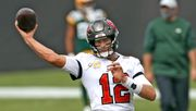 Brady besiegt Rodgers im Duell der Quarterback-Altstars