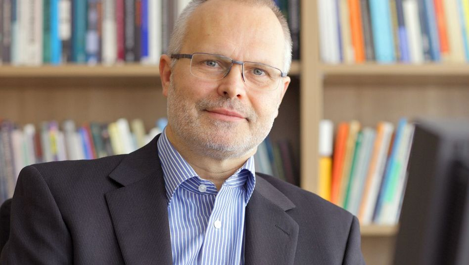 """Hans Peter Peters: """"Mit den Kollegen ist man pingeliger"""""""