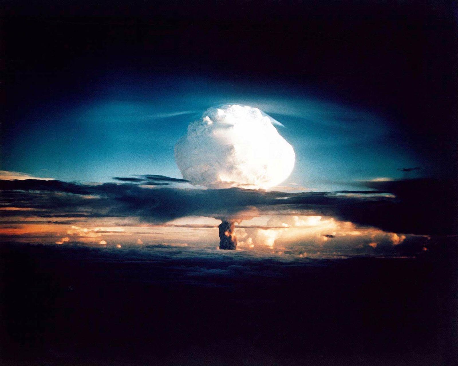 Erste Wasserstoffbombe 1952 / Neutronenbombe
