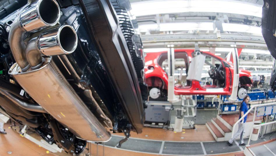 Auspuffrohr eines VW Golf 7 Diesel