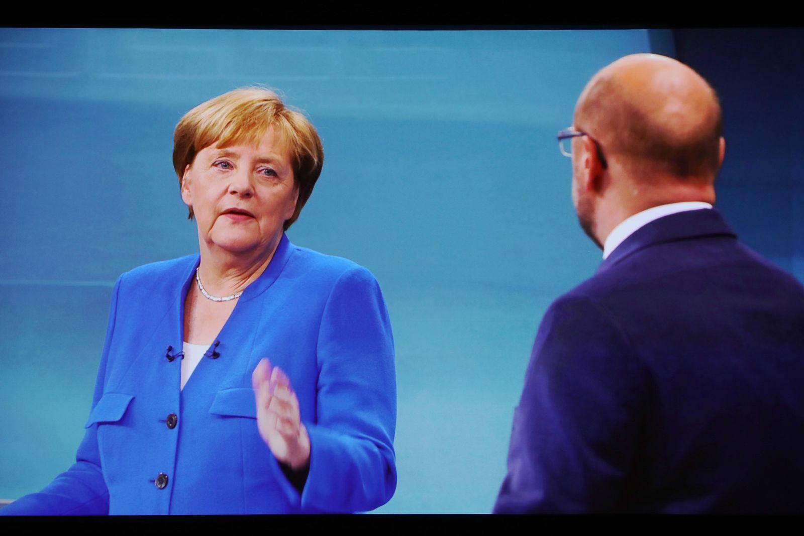 EINMALIGE VERWENDUNG TV-Duell Angela Merkel & Martin Schulz