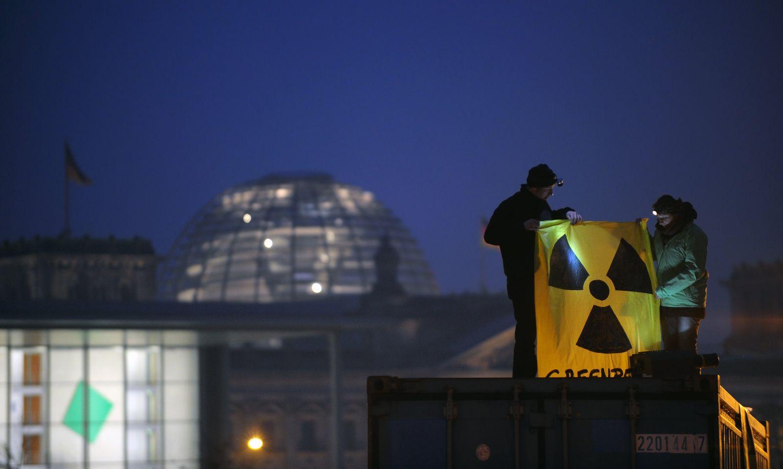 Anti-Atomkraft-Demo/ Mahnwache