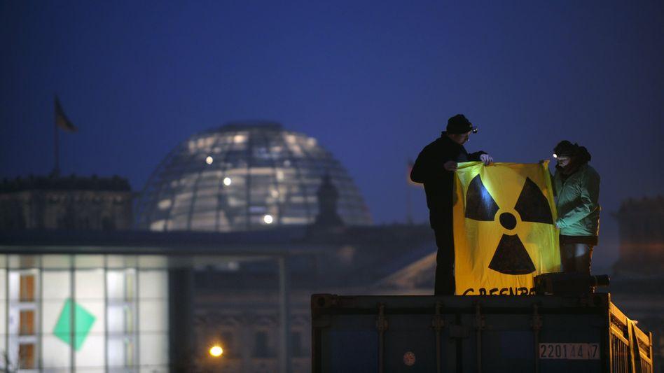 Greenpeace-Protest in Berlin: Französischer Atomenergiekonzern ließ Aktivisten bespitzeln