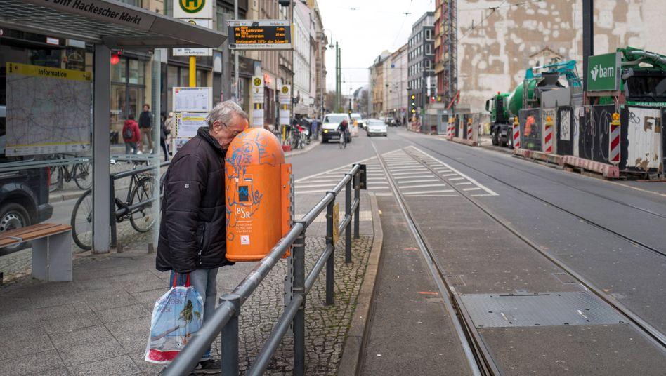 Flaschensammler in Berlin: Schlechtere Lage als vor zehn Jahren