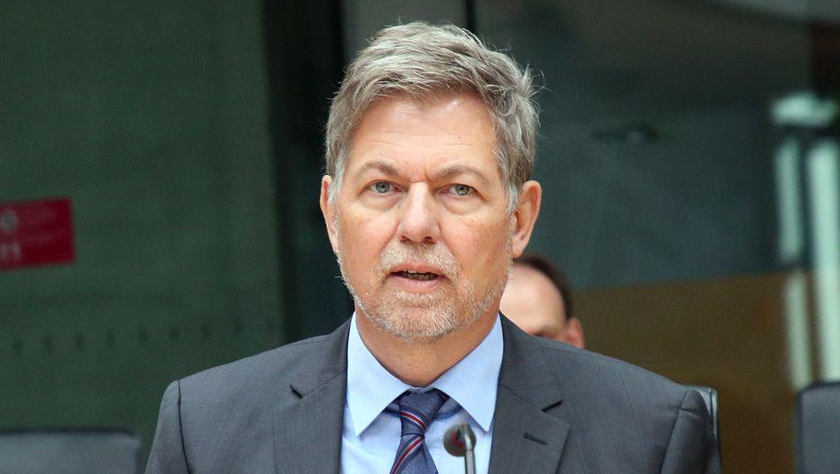MAD-Chef Gramm bei einer öffentlichen Anhörung des Parlamentarischen Kontrollgremiums für die Nachrichtendienste