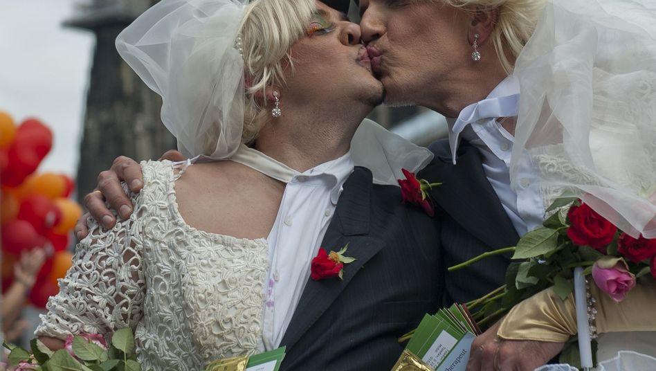 """Christopher Street Day in Köln (im Juli): """"Ich? Homophob?"""""""