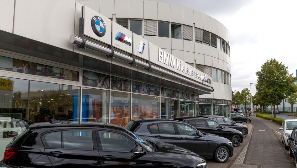 Eine BMW-Niederlassung in Bonn: Wird am Ende etwas herumkommen?