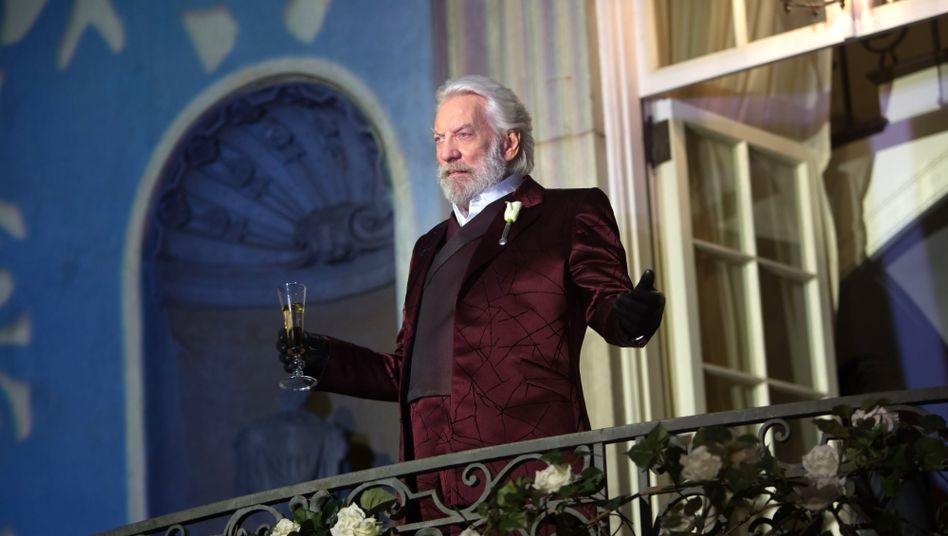 Wie wurde Präsident Snow (Donald Sutherland) zum Diktator?