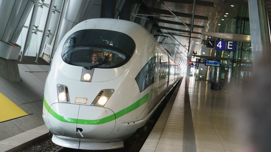 Ein ICE-Sprinter am Fernbahnhof Frankfurter Flughafen: Herber Verlust für die Deutsche Bahn