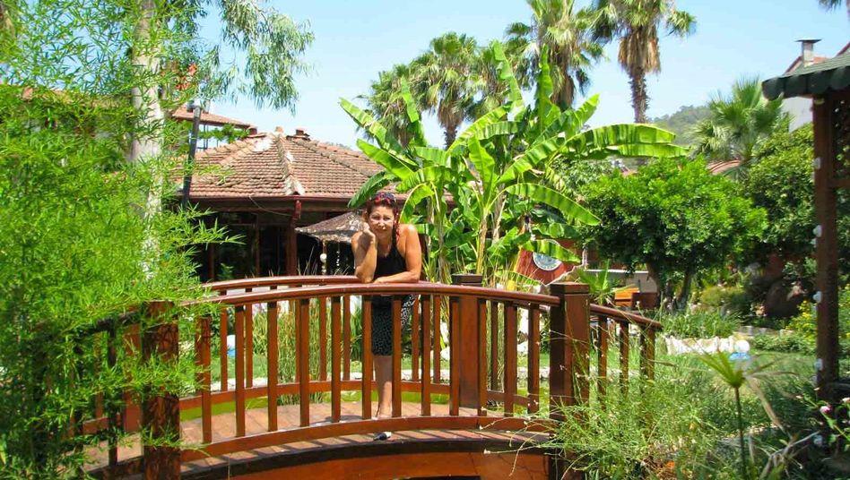 Erendiz Hamamcioglu in ihrem Hotel in Antalya