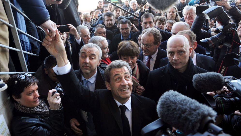 Nicolas Sarkozy: Mit Carla zur Operation Comeback