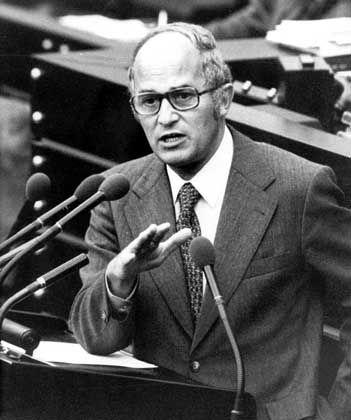 Rainer Barzel im November 1973: Schneller Absturz nach rasanter Karriere