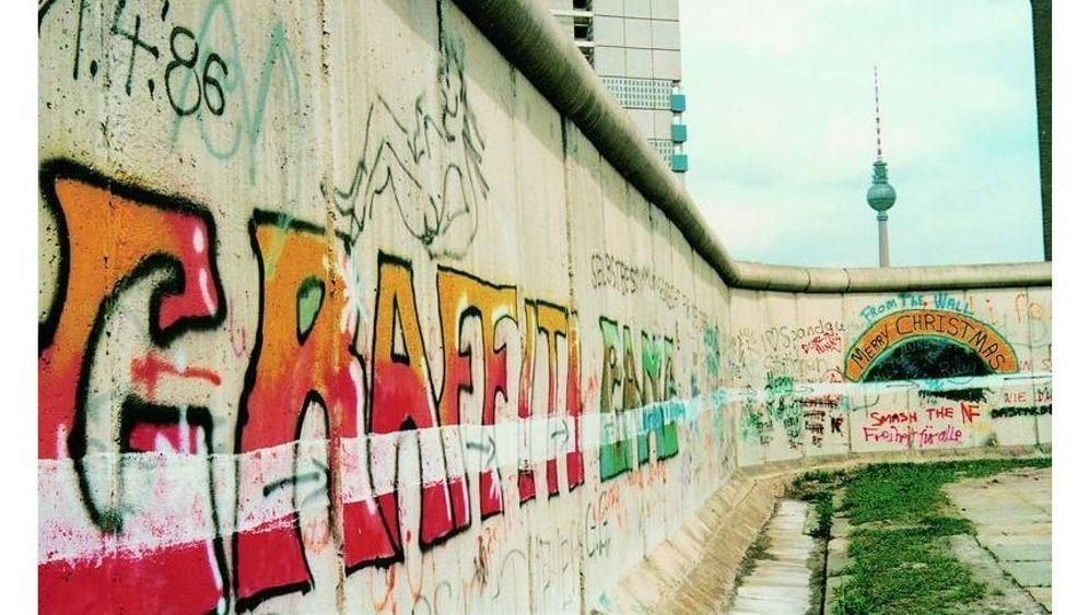 Aktion Weißer Strich an der Berliner Mauer: Protest auf Augenhöhe