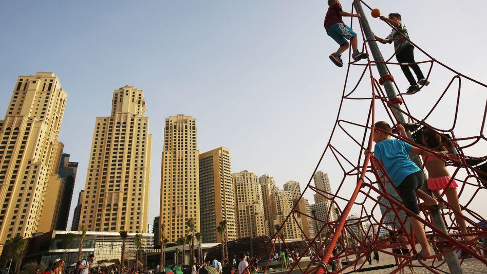 Futuristische Fassaden, überkommene Ansichten: Dubai