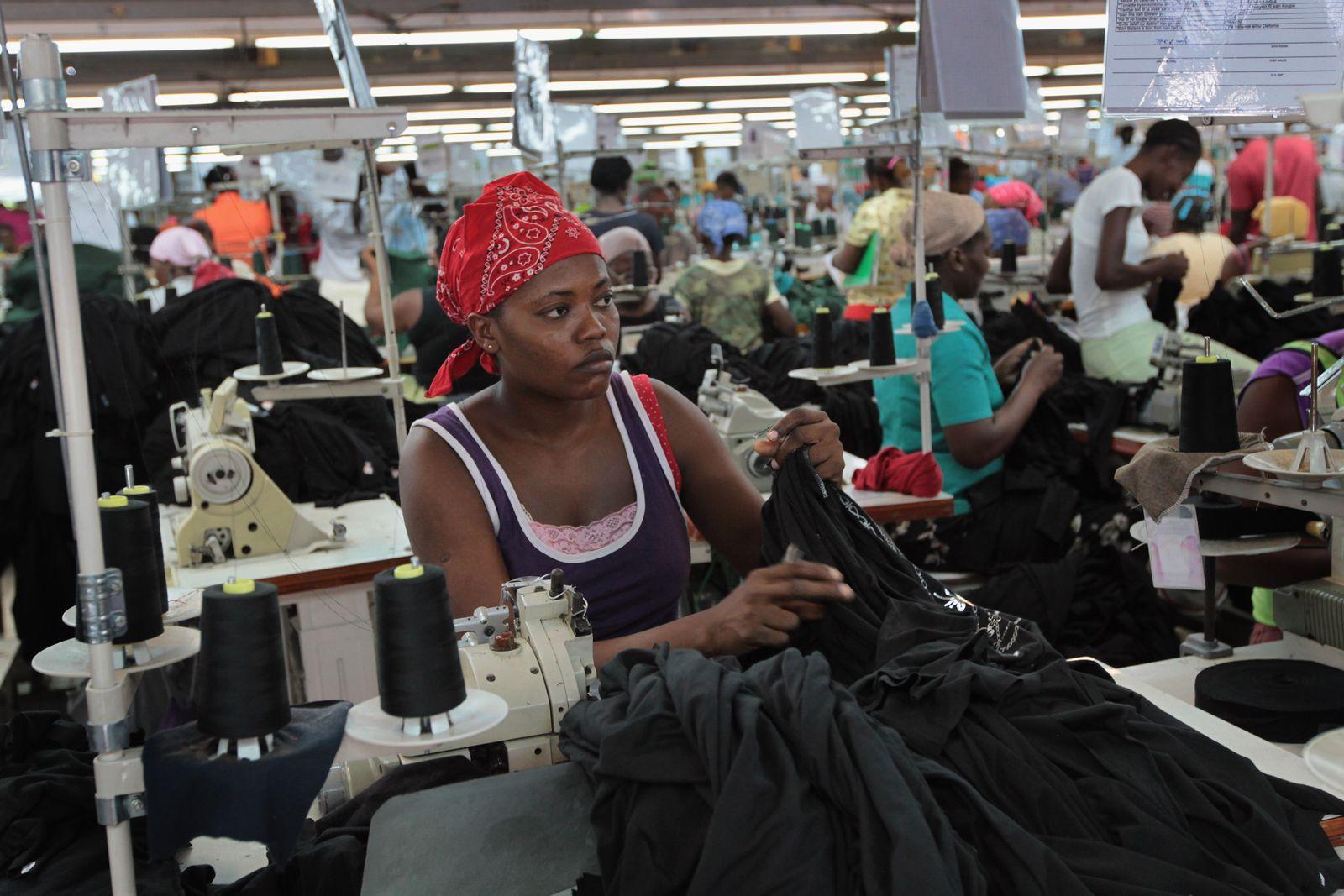 Haiti/ Textilfabrik/ Arbeiterinnen
