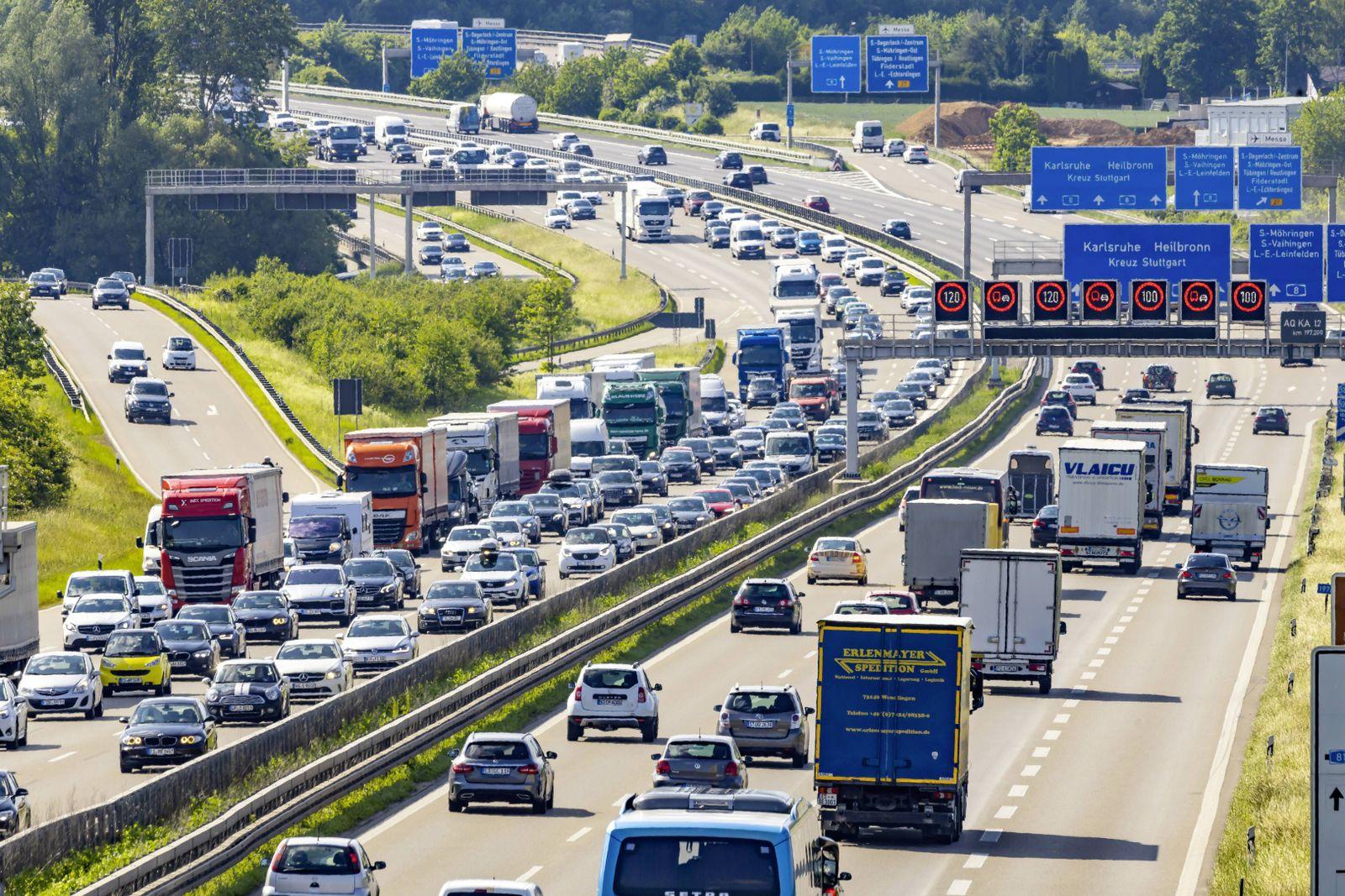 EINMALIGE VERWENDUNG Stau/ deutsche Autobahn