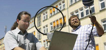 Mess-Ingenieure in Magdeburg (Archivbild): Fachkräftemangel vernichtet Milliardenwerte