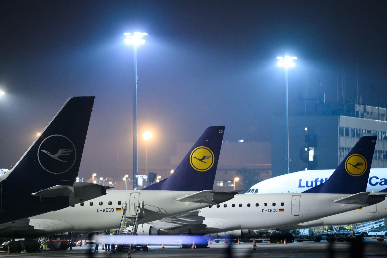 Lufthansa-Maschinen am Frankfurter Flughafen