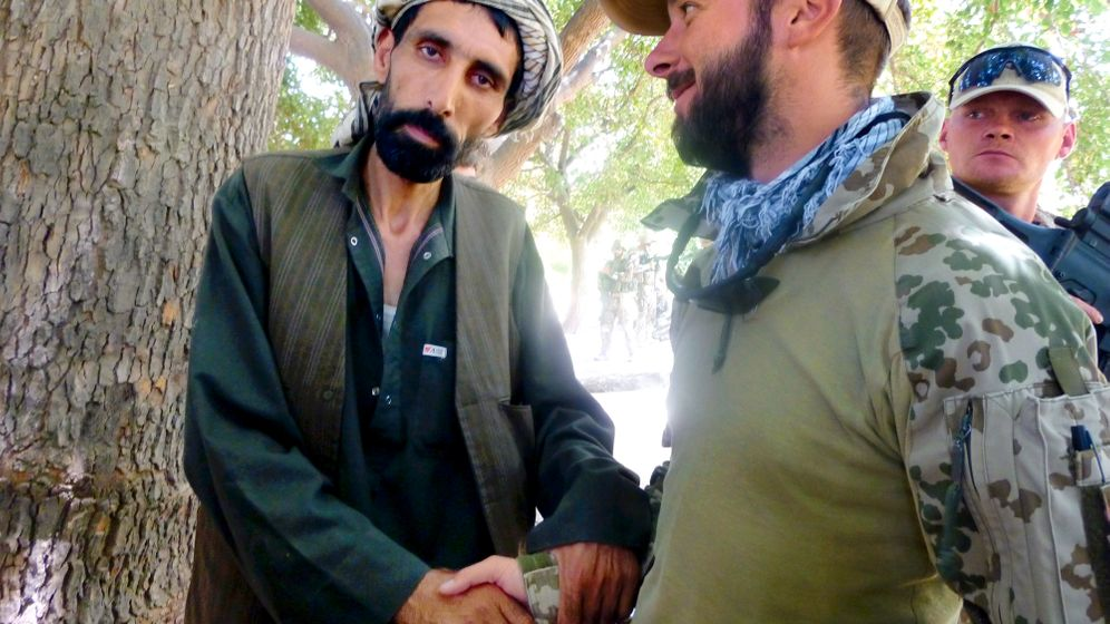 Photo Gallery: Fighting With Former Insurgents